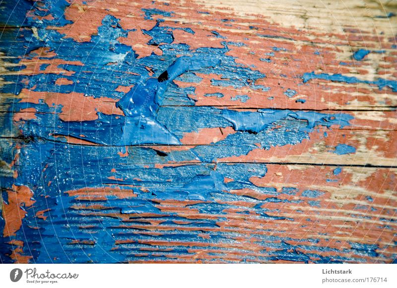 vergänglich ist alles alt blau rot Farbe Holz braun dreckig außergewöhnlich Vergänglichkeit festhalten Beruf Schifffahrt Vergangenheit Handwerk bauen Handwerker