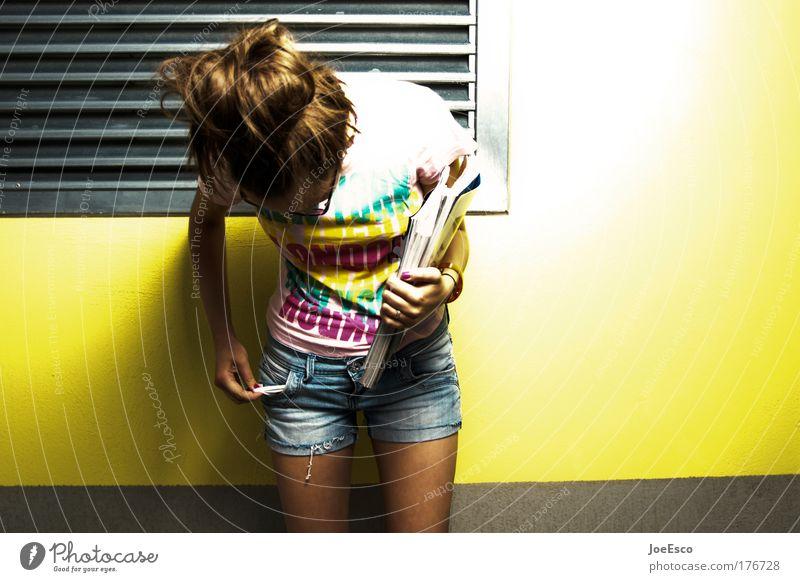 wasted german youth Lifestyle Stil Haare & Frisuren feminin Junge Frau Jugendliche Erwachsene 1 Mensch Mode Bekleidung trendy verrückt trashig mehrfarbig gelb