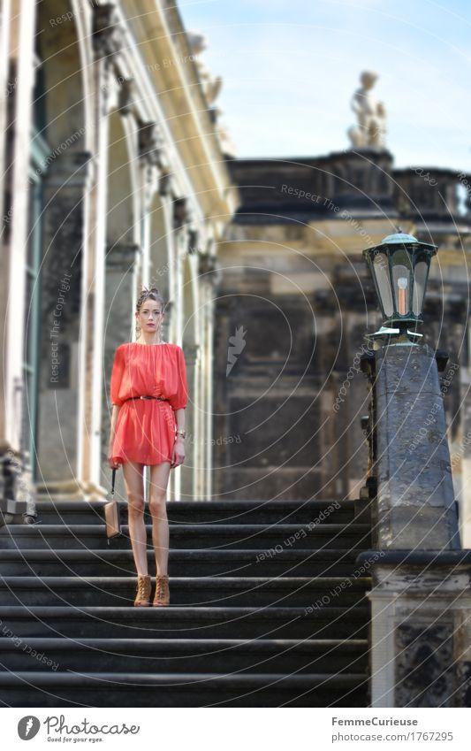 LadyInRed_1767295 Mensch Frau Jugendliche schön Junge Frau rot 18-30 Jahre Erwachsene feminin Stil Mode Treppe elegant modern ästhetisch Kultur