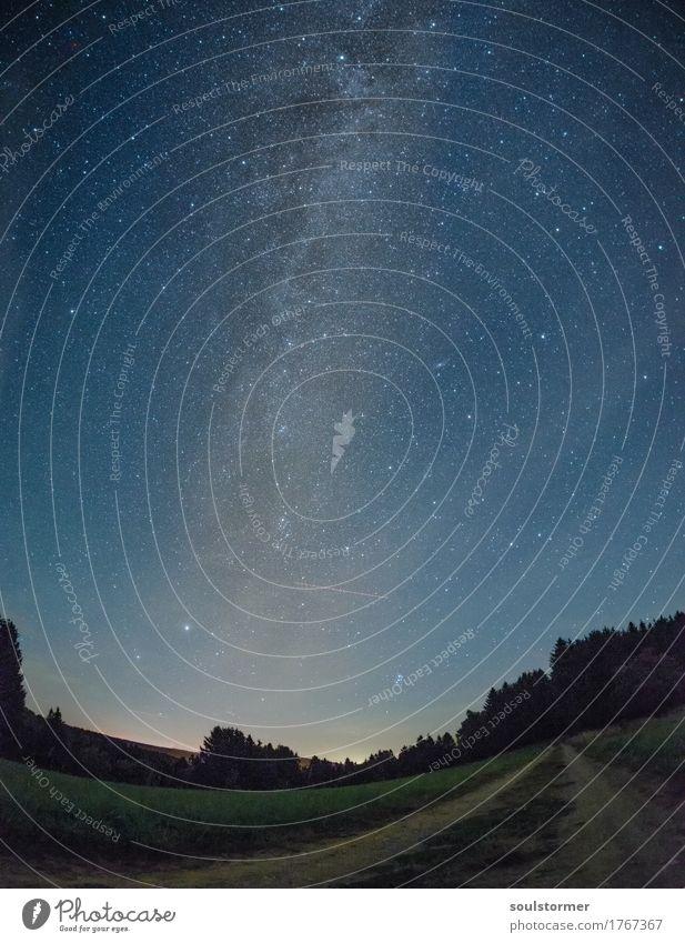 MilkyWay aufm Dorf Natur Landschaft Urelemente Himmel Stern Horizont Herbst Feld Zufriedenheit Hoffnung Glaube Milchstrasse Astrologie Wege & Pfade Wegsehen