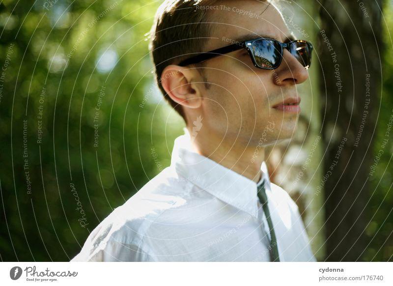 Idealist Mensch Mann Natur Jugendliche schön ruhig Erwachsene Gesicht Umwelt Leben Gefühle Freiheit Stil Traurigkeit Mode träumen