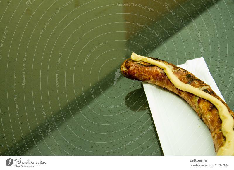Wurst Wurstwaren Bratwurst thüringer bratwurst Originalität Feste & Feiern Jahrmarkt Imbiss Tisch mostrich abgebissen Ernährung Fleisch Textfreiraum Grill
