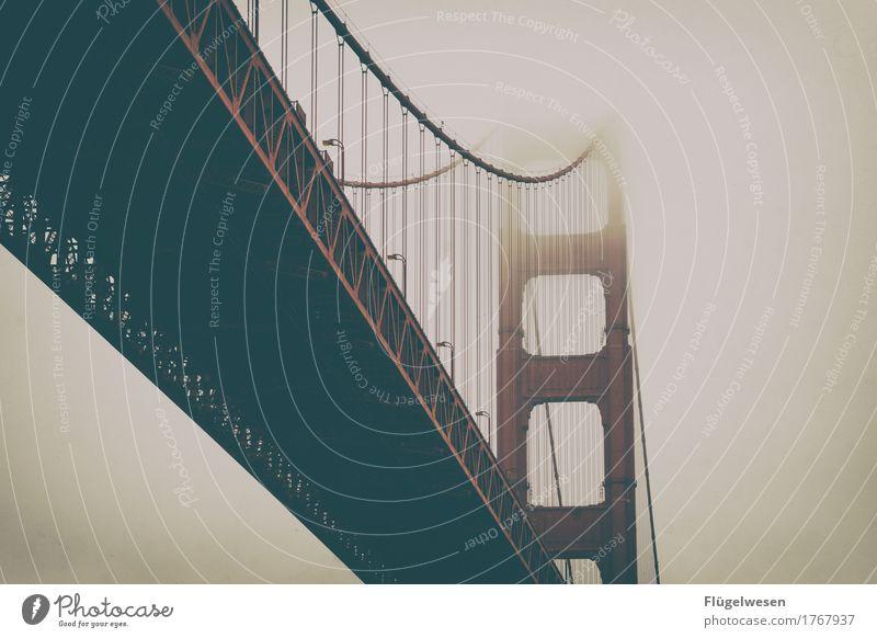 Golden Gate Bridge USA Amerika Wolken Freiheit Ferien & Urlaub & Reisen Straße Aussicht Brücke San Francisco Sightseeing Nebel Schleier Nebelwand