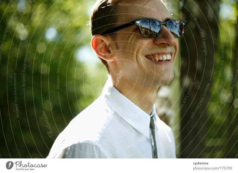 Ein Lächeln zaubern Mensch Mann Natur Jugendliche schön Freude Gesicht Erwachsene Umwelt Leben Gefühle Freiheit Glück Stil Mode träumen