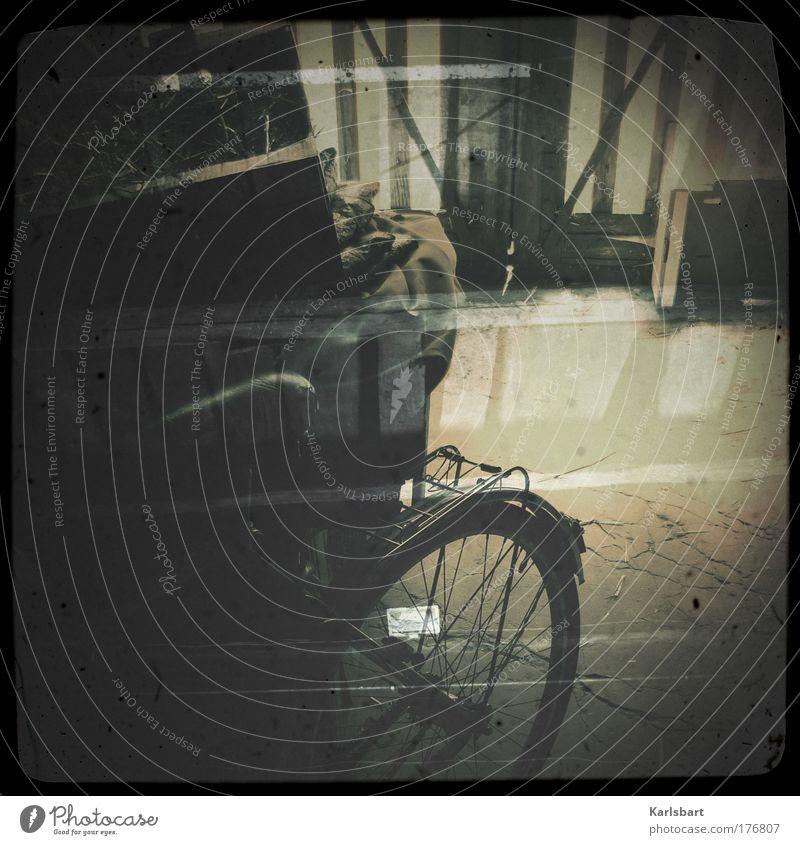 á Paris. alt Sommer Haus Stein Fahrrad Design Lifestyle Häusliches Leben Kultur Dorf Bauernhof Tor Paris Kasten chaotisch Doppelbelichtung