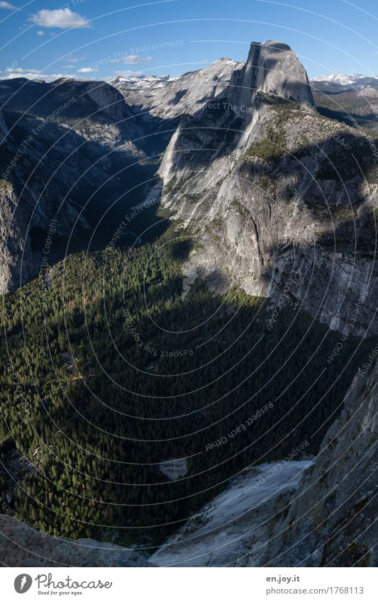 Parkplatz Ferien & Urlaub & Reisen Tourismus Abenteuer Ferne Sommer Sommerurlaub Berge u. Gebirge Natur Landschaft Wolkenloser Himmel Wald Felsen Yosemite NP