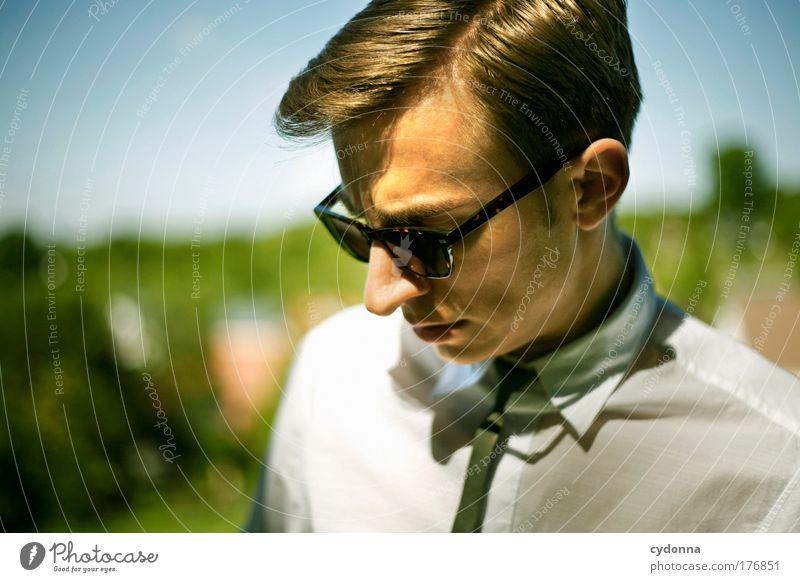 Seitenscheitel Natur Jugendliche Mann schön 18-30 Jahre Gesicht Erwachsene Umwelt Leben Gefühle Bewegung Stil Lifestyle Freiheit Mode träumen