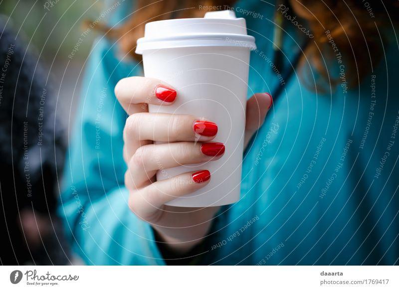 rote Nägel Getränk Heißgetränk Kaffee Becher Lifestyle kaufen elegant Stil Design Freude Maniküre Nagellack Leben harmonisch Freizeit & Hobby Abenteuer Freiheit