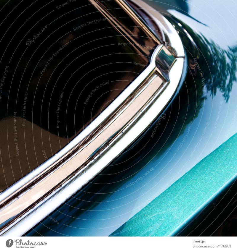 Klassiker Farbfoto Detailaufnahme Lifestyle elegant Verkehr Verkehrsmittel Personenverkehr Autofahren PKW Oldtimer Glas Metall alt grün Mobilität Lack