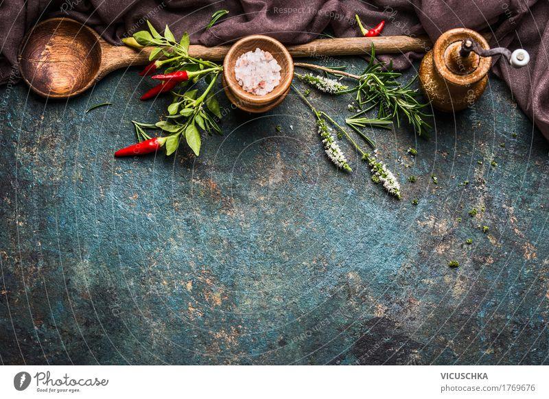 Kochen Hintergrund mit Löffel, frische Kräuter und Gewürze Lebensmittel Kräuter & Gewürze Ernährung Abendessen Festessen Bioprodukte Vegetarische Ernährung Diät