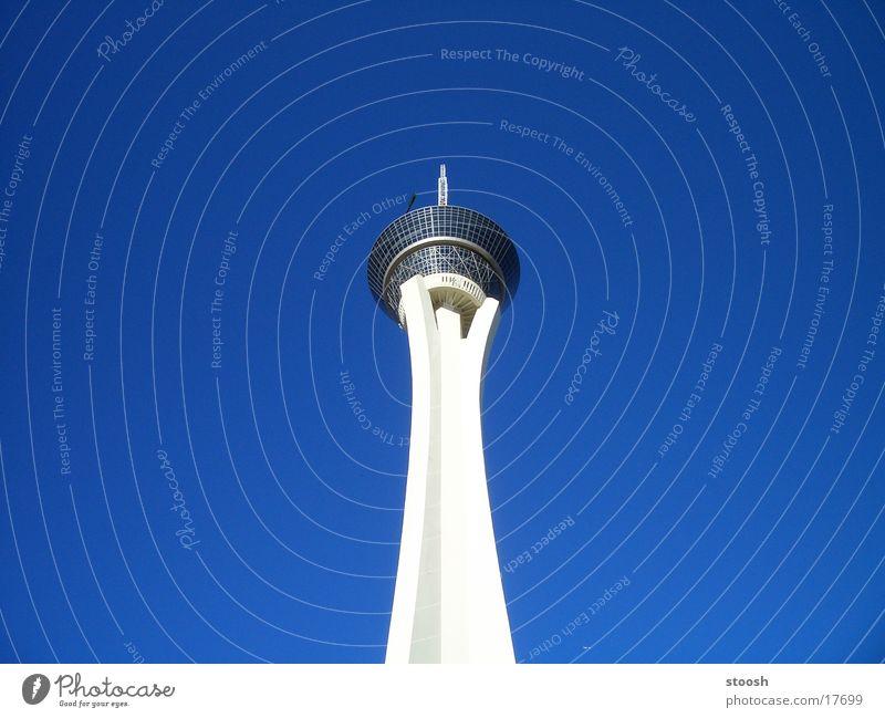 stratrosphere Himmel blau Architektur hoch USA Turm Las Vegas