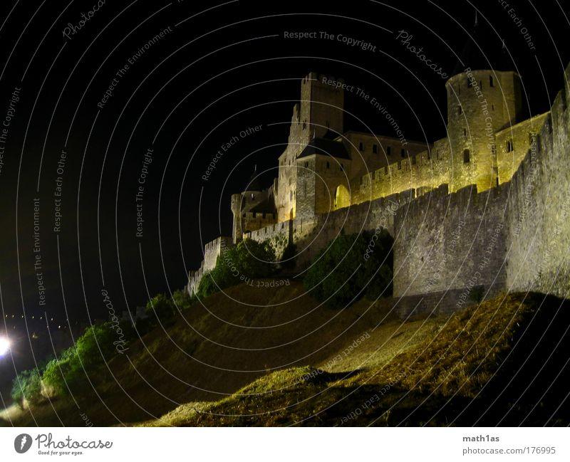 Carcasonne Nacht Wand Architektur Mauer Fassade Schutz Burg oder Schloss Denkmal Wahrzeichen Ruine Sehenswürdigkeit Languedoc-Roussillon Altstadt Carcassonne