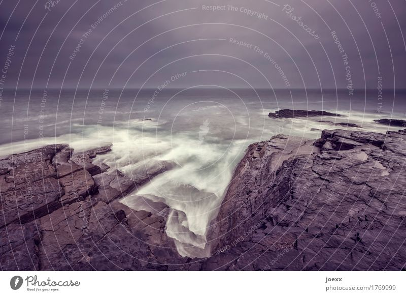Begengnung Landschaft Himmel Wolken Horizont schlechtes Wetter Gewitter Felsen Küste Meer Insel Republik Irland kalt braun grau weiß Endzeitstimmung Ferne