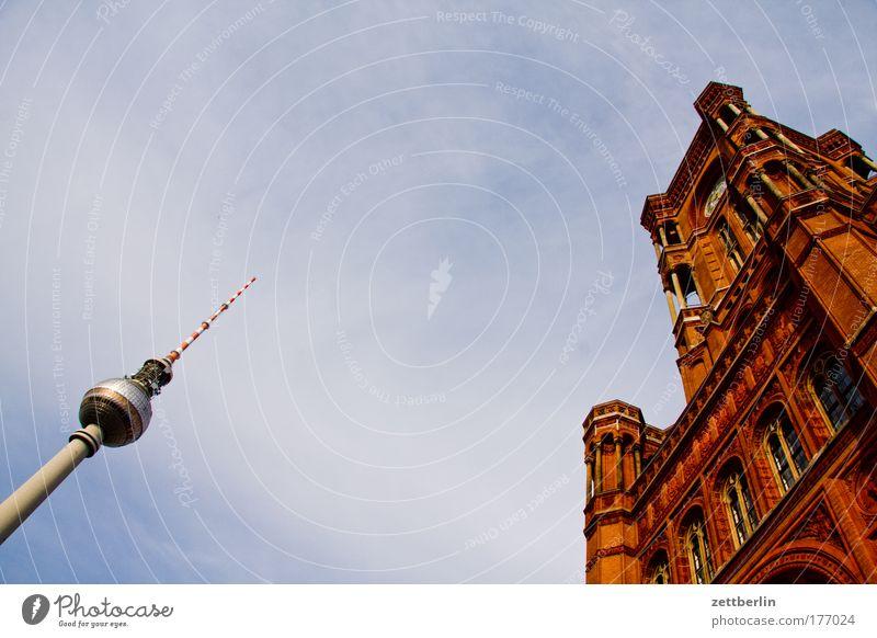 Fernsehturm links, Rathaus rechts Berlin Hauptstadt Himmel Sommer Ferien & Urlaub & Reisen Wolken Turm Berliner Fernsehturm alex Alexanderplatz Rotes Rathaus