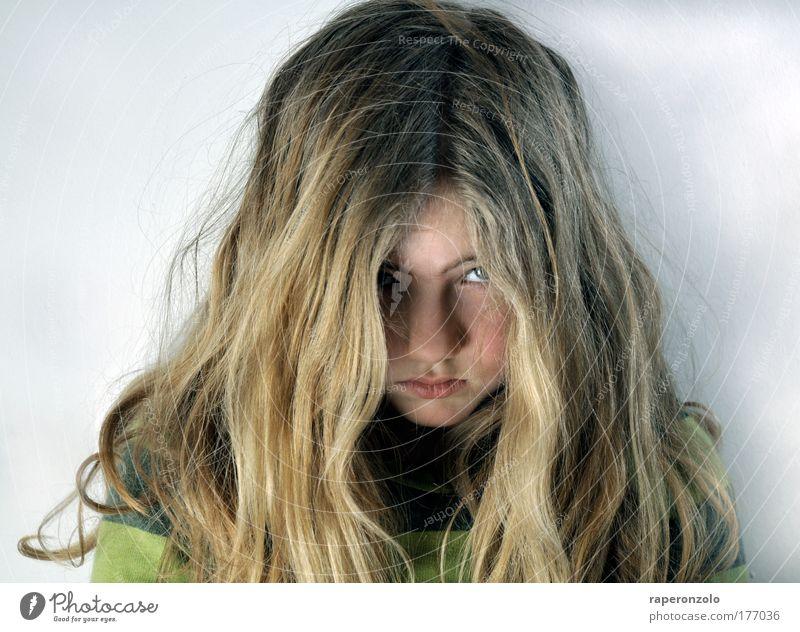 die welt ist schlecht Haare & Frisuren Mädchen Gesicht 1 Mensch 8-13 Jahre Kind Kindheit brünett langhaarig Traurigkeit schön Gefühle Trauer Schmerz