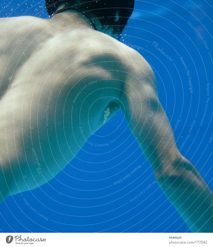 Wassermann Jugendliche blau Sommer Freude Erholung Leben nackt Kindheit Gesundheit Zufriedenheit nass maskulin Schwimmen & Baden Schwimmbad tauchen