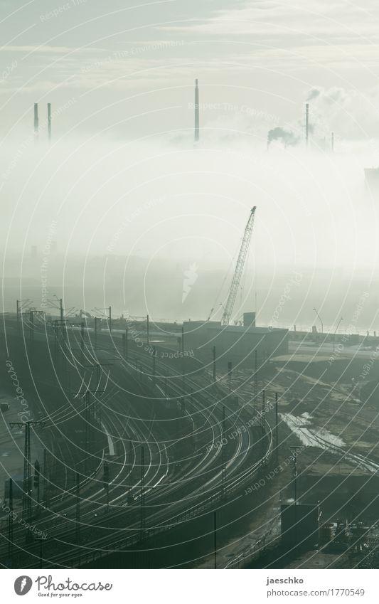 Stillstand Fortschritt Zukunft Energiewirtschaft Energiekrise Industrie Klimawandel Nebel Nebelbank Nebelwand Nebelstimmung Hamburg Stadt Industrieanlage Fabrik