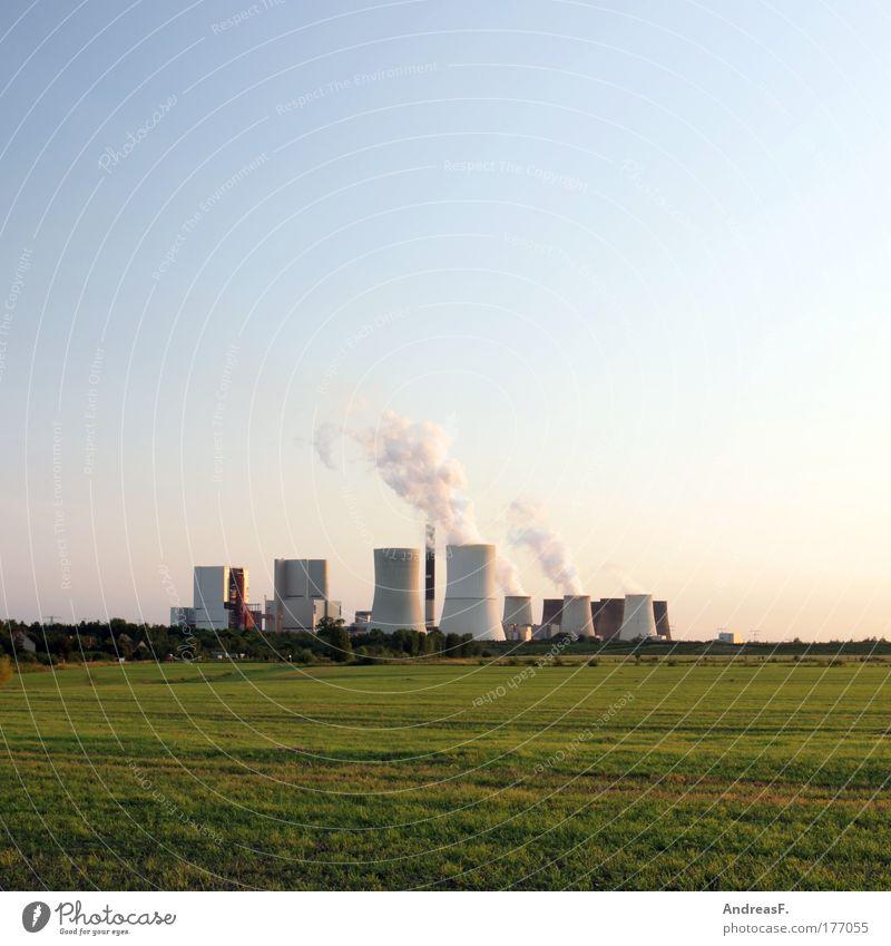 Boxberg Farbfoto Außenaufnahme Textfreiraum oben Abend Dämmerung Energiewirtschaft Kohlekraftwerk Industrie Umwelt Natur Landschaft Himmel Klima Klimawandel