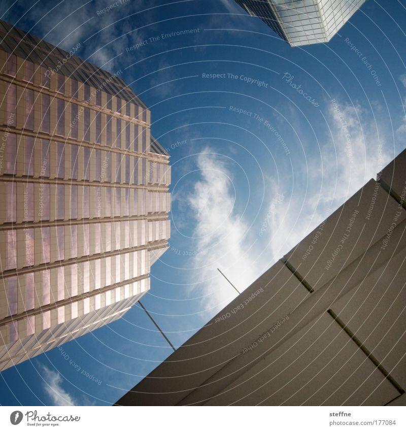 BIG BUSINESS Himmel Stadt Wolken Arbeit & Erwerbstätigkeit Business Erfolg Hochhaus modern USA Bankgebäude Skyline Bürogebäude Wirtschaft Schönes Wetter Haus
