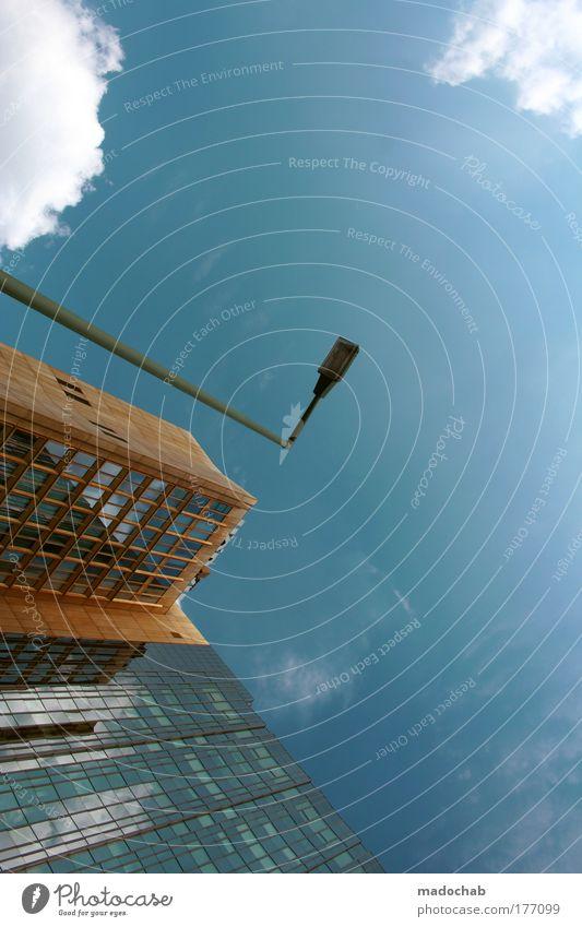 Die Ordnung ist Zeichen eines ... Himmel Stadt blau Wolken Architektur glänzend Design Wachstum ästhetisch Perspektive Coolness Macht Schutz neu Bankgebäude Reichtum