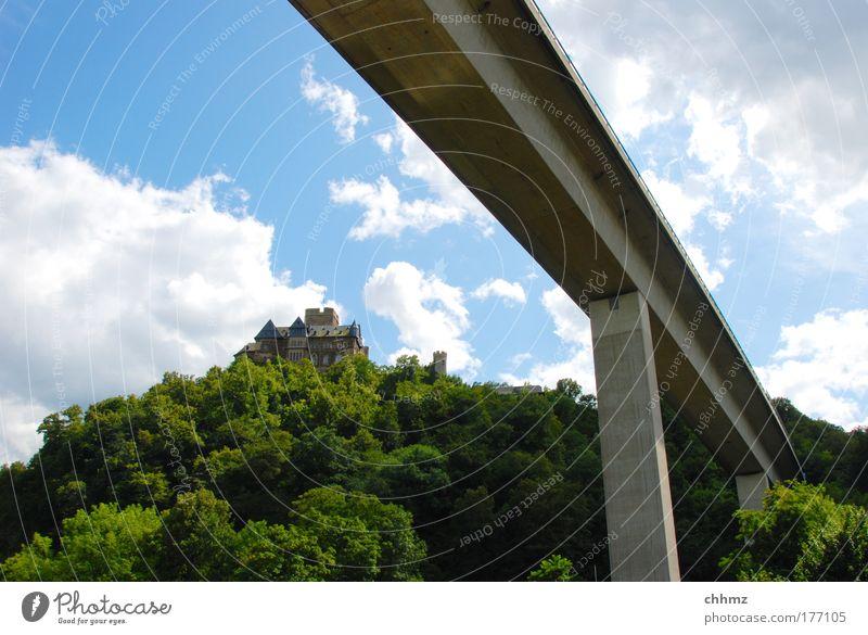 Zwei Epochen Baum Wald Ausflug Brücke Tourismus Autobahn Verkehrswege Rheinland-Pfalz Mittelalter Hochstraße Lahnstein