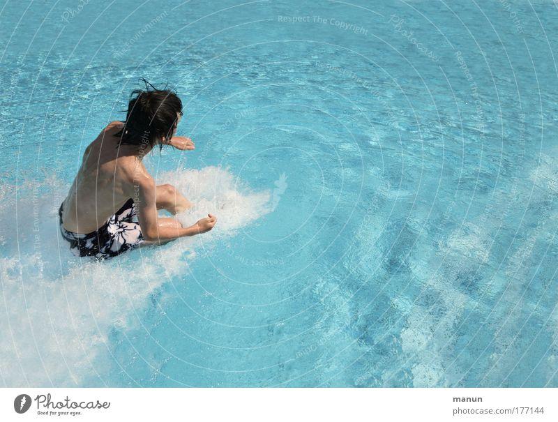 300 km/h ;-) Mensch Jugendliche blau Wasser Ferien & Urlaub & Reisen Sommer Freude Leben Kindheit Zufriedenheit frisch Geschwindigkeit Fröhlichkeit Coolness Schwimmbad Junger Mann