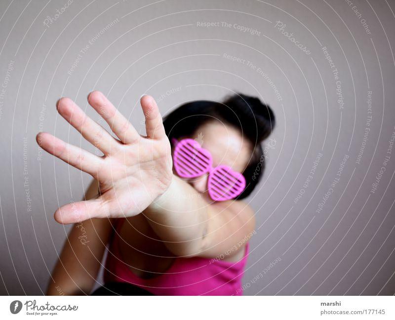 ..:greif nach der liebe:.. Mensch Frau Jugendliche Hand Junger Mann Einsamkeit Ferne Erwachsene Liebe Gefühle feminin Stil Glück Haare & Frisuren rosa Brille