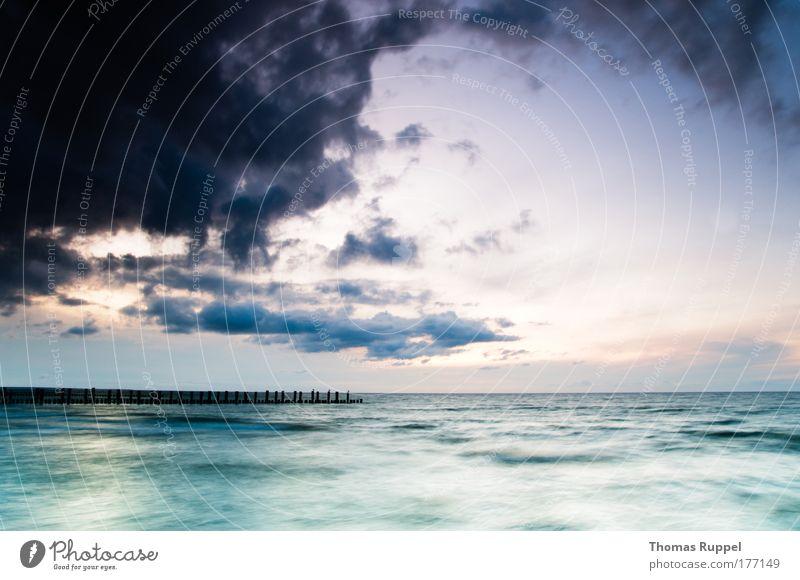 Ostsee Farbfoto Außenaufnahme Menschenleer Textfreiraum links Textfreiraum rechts Textfreiraum unten Abend Dämmerung Sonnenaufgang Sonnenuntergang