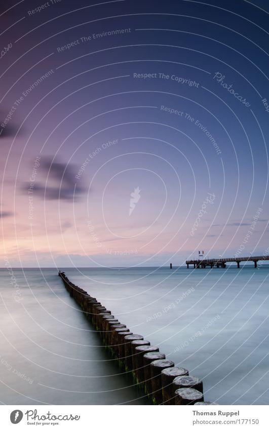 Seebrücke Farbfoto Außenaufnahme Menschenleer Textfreiraum links Textfreiraum oben Textfreiraum Mitte Abend Dämmerung Sonnenaufgang Sonnenuntergang
