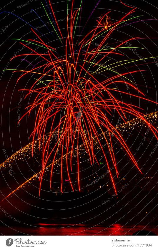 feuerwerk rot Freude Feste & Feiern Party Veranstaltung Silvester u. Neujahr Jahrmarkt Begeisterung
