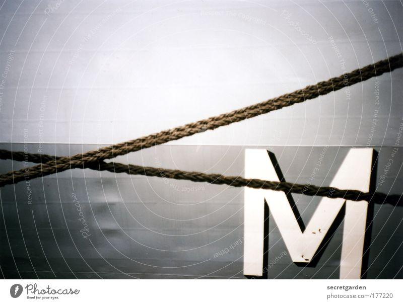 [KI09.1] ein X für ein M vormachen. weiß kalt grau Linie Kunst Kraft Seil Schriftzeichen Netzwerk Macht retro Hafen Zeichen Stahl analog trashig