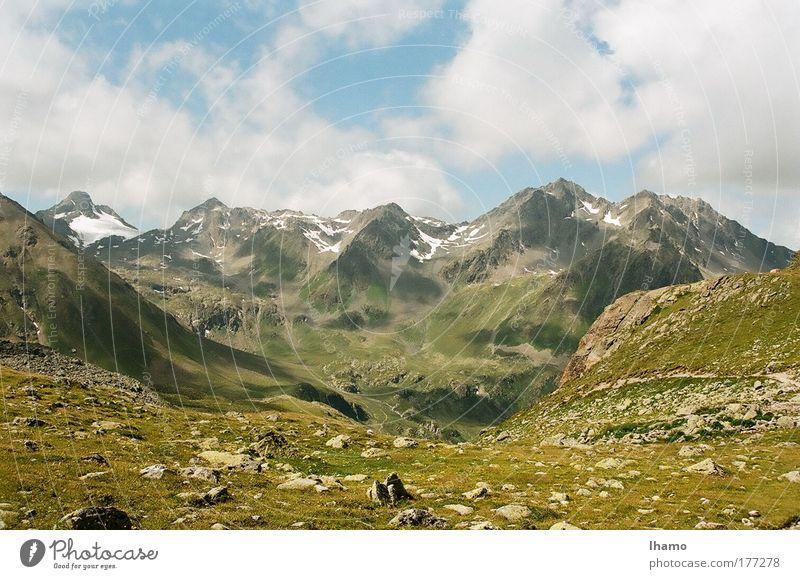 Unter den Wolken Natur Himmel Sommer Erholung Berge u. Gebirge Bewegung Stein Landschaft Luft gehen Erde beobachten Hügel Gipfel entdecken