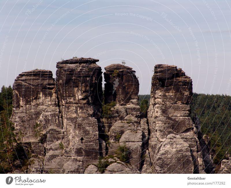 Die unglaublichen Vier Farbfoto Außenaufnahme Menschenleer Silhouette Sonnenlicht Totale Klettern Bergsteigen Künstler Maler Skulptur Umwelt Natur Landschaft