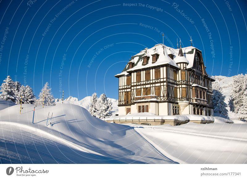 Villa Cassel Natur alt Himmel weiß Winter Haus schwarz Berge u. Gebirge Landschaft Architektur Umwelt Hochhaus frisch Fröhlichkeit Alpen