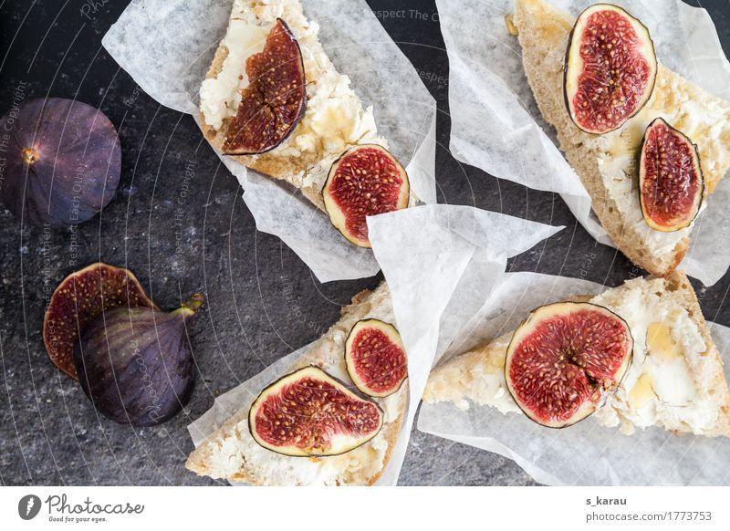 Ziegenkäse Crostini mit frischen Feigen Lebensmittel Käse Milcherzeugnisse Frucht Teigwaren Backwaren Brot Ernährung Büffet Brunch Vegetarische Ernährung