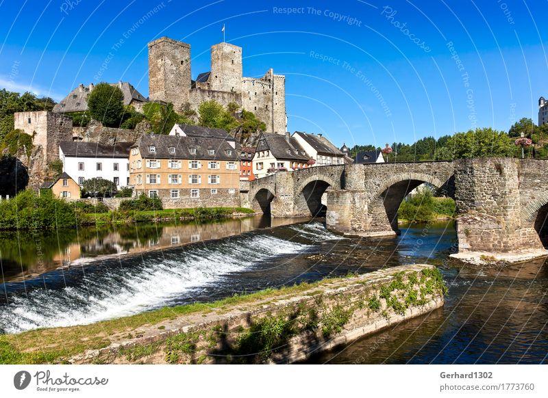 Schloss Runkel an der Lahn Ferien & Urlaub & Reisen Tourismus Ausflug Sightseeing Sommerurlaub Wasser Fluss Wasserfall Flußwehr Dorf Altstadt Burg oder Schloss