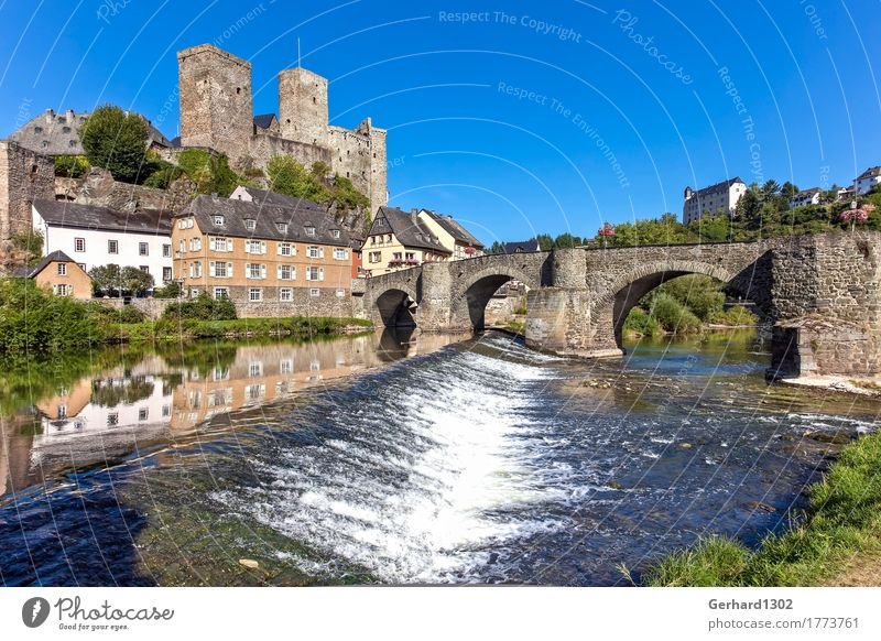 Schloss Runkel an der Lahn Ferien & Urlaub & Reisen Tourismus Ausflug Sightseeing Wasser Fluss Dorf Altstadt Burg oder Schloss Brücke Sehenswürdigkeit