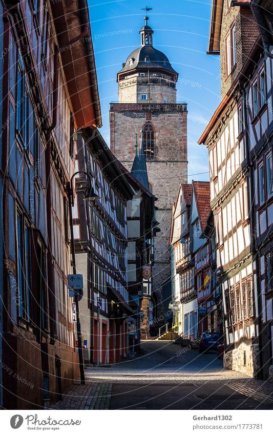 Fachwerkhäusern in einer Altstadtgasse von Alsfeld Ferien & Urlaub & Reisen Tourismus Ausflug Berge u. Gebirge wandern Architektur Stadt Gebäude