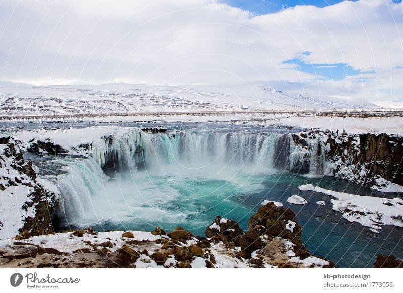 Waterfall Godafoss in wintertime in Iceland Ferien & Urlaub & Reisen Tourismus Abenteuer Ferne Sightseeing Winter Winterurlaub Natur Wasserfall