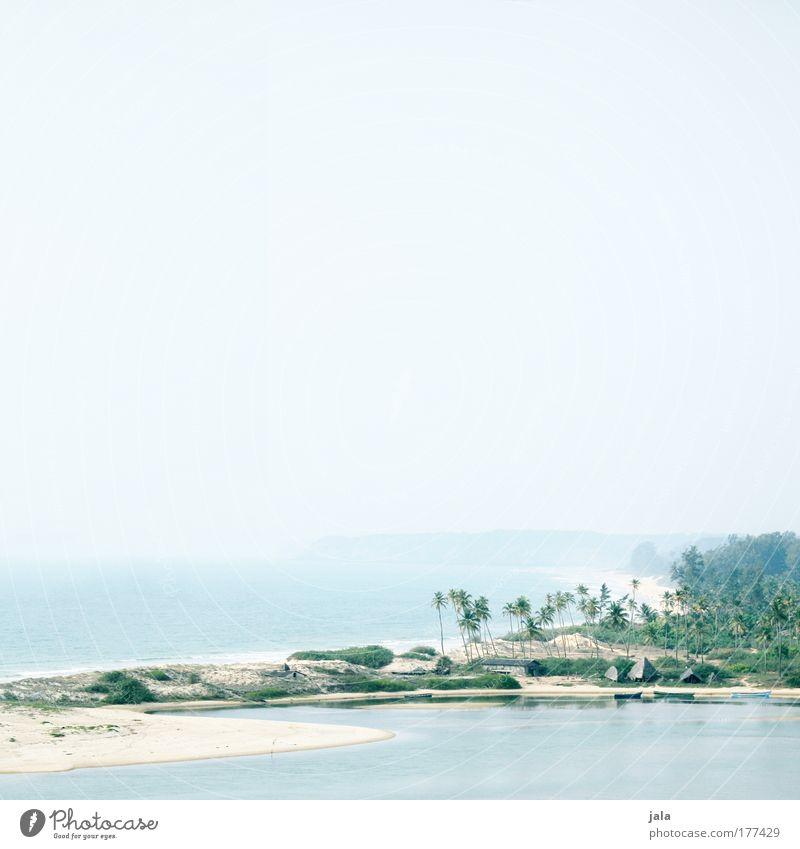 destination for a day trip Farbfoto Außenaufnahme Menschenleer Textfreiraum oben Tag Licht Weitwinkel Ferien & Urlaub & Reisen Sommerurlaub Strand Meer Natur