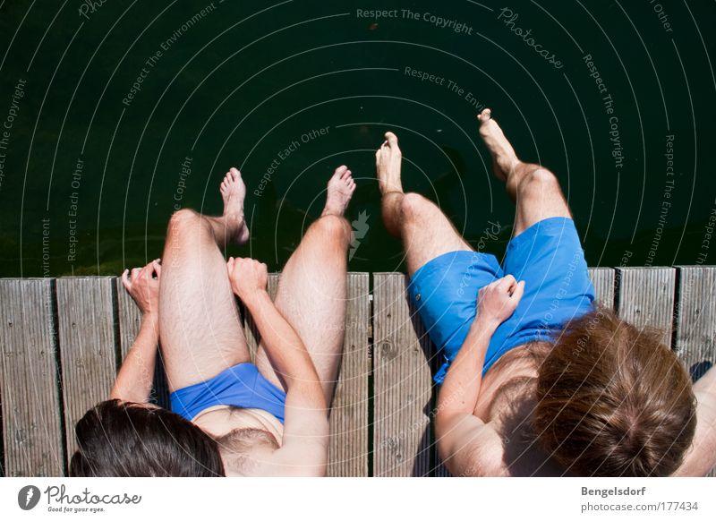 sittin on the dock of the bay Mensch Jugendliche Wasser Ferien & Urlaub & Reisen Sonne Sommer ruhig Ferne Erholung Leben Bewegung springen See Schwimmen & Baden