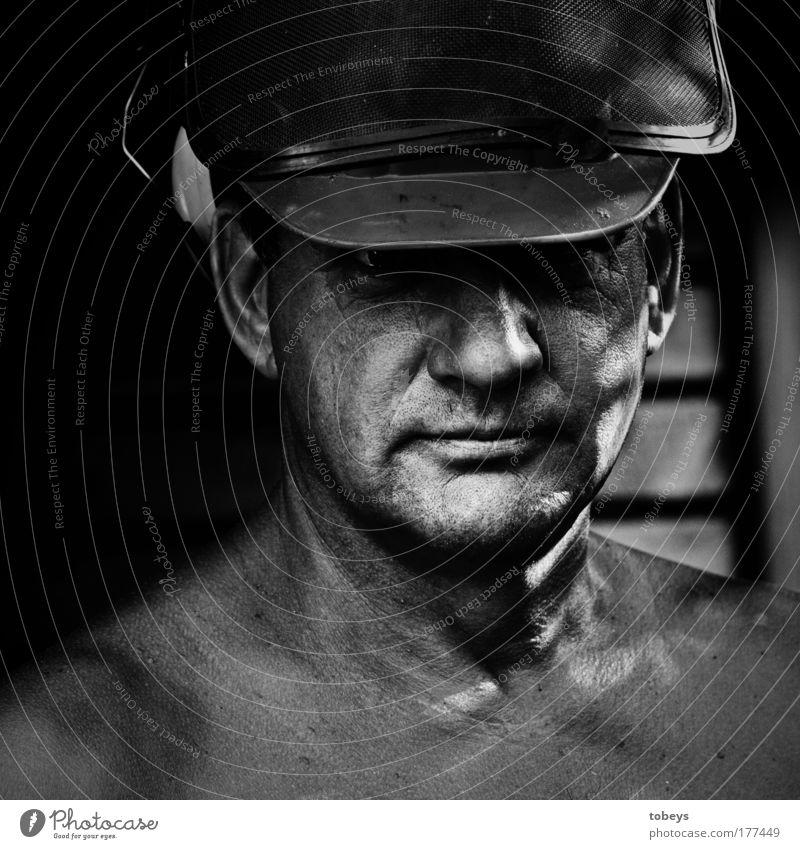 Der Holzfäller Natur Mann Arbeiter Erwachsene Glück Kopf Denken Arbeit & Erwerbstätigkeit maskulin Kraft Zufriedenheit Erfolg Baustelle Beruf Lebensfreude Fabrik