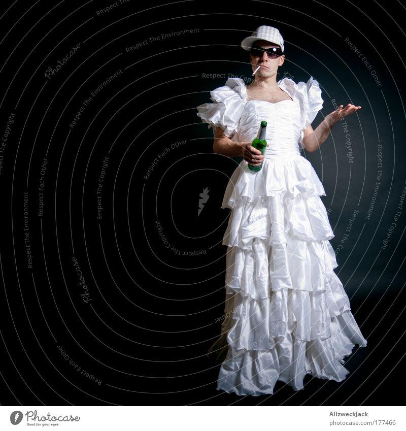 Wat is nu mit Heiraten?! Jugendliche weiß schwarz Erwachsene feminin lustig Junger Mann Mode 18-30 Jahre maskulin verrückt ästhetisch Bekleidung Romantik Kleid