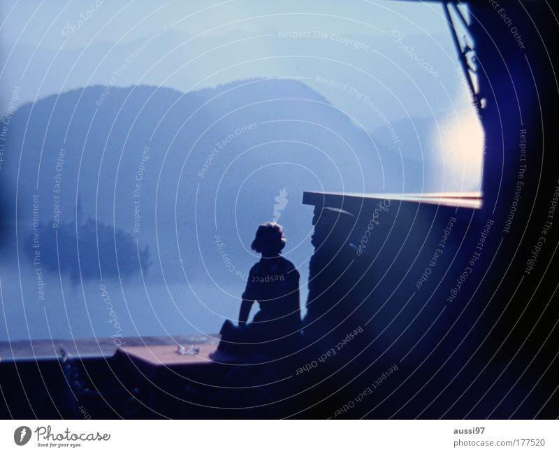 Torn Curtain Gegenlicht Urlaubsatmosphäre See Insel Paar 2 Personen Dämmerung Sundowner Lichtfleck