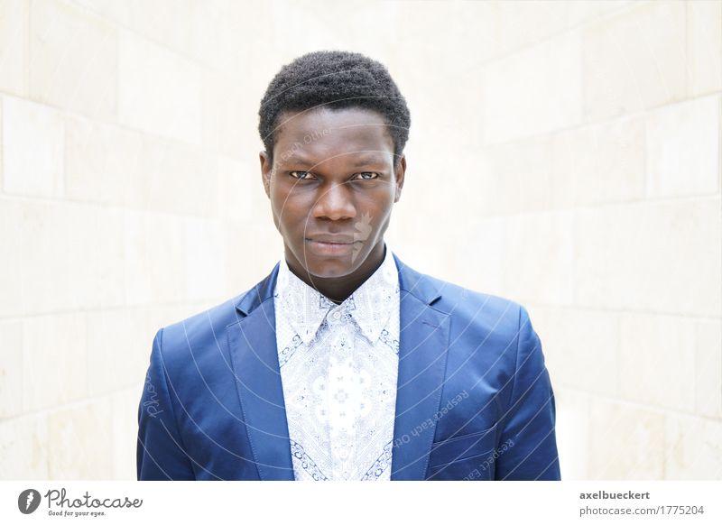 junger Mann Mensch Jugendliche Mann Junger Mann 18-30 Jahre schwarz Erwachsene Lifestyle Stil Business Mode maskulin elegant Coolness trendy Jacke