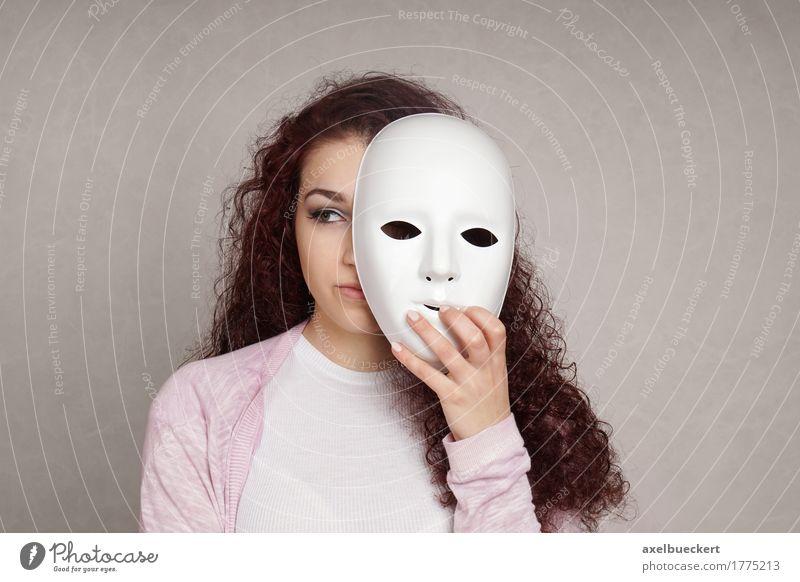 trauriges Mädchen versteckt sich hinter Maske Traurigkeit Depression Identität Krankheit Gefühle psychische Gesundheit Mensch Junge Frau Jugendliche Erwachsene