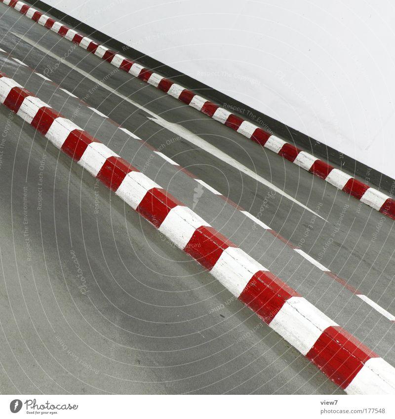 Rennbahn rot Straße Farbe Wand Stein Mauer Wege & Pfade hell Design Schilder & Markierungen Beton Energie Verkehr verrückt Geschwindigkeit modern