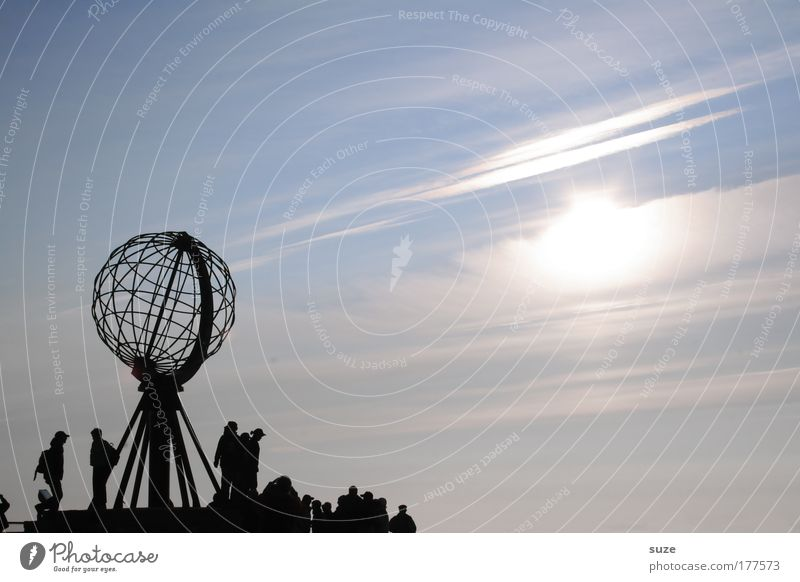 Mitternachtssonne Mensch Natur Himmel Sonne Meer blau Ferien & Urlaub & Reisen kalt Freiheit Landschaft Küste Umwelt frei Felsen Europa Landkarte
