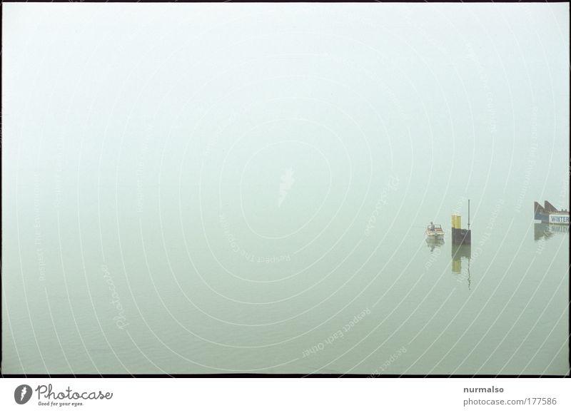 Nebelfischer Mensch Natur Sommer ruhig Landschaft Küste Wasserfahrzeug Schwimmen & Baden Klima Freizeit & Hobby maskulin Fisch Fluss Hut Im Wasser treiben