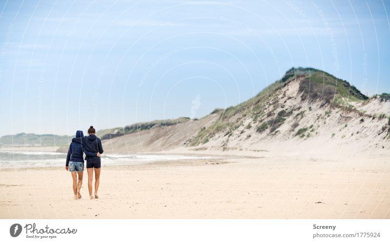 An Deiner Seite... Mensch Himmel Ferien & Urlaub & Reisen Sommer Landschaft Meer Wolken Ferne Strand Liebe Küste feminin Freiheit Zusammensein Tourismus